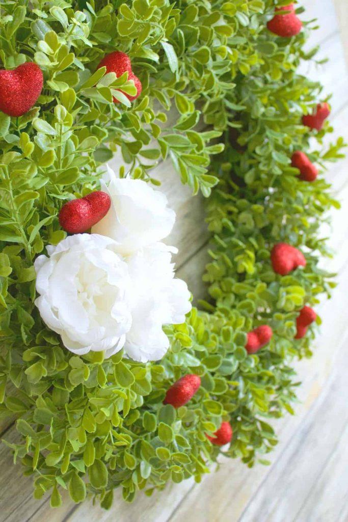 Valentines Wreath DIY | 10 Minute DIY for Valentine's Day Decor