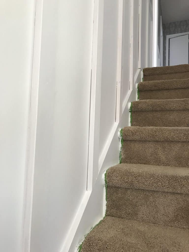 Faux Wainscoting tutorial: Wainscoting look without the cost. Our hallway refresh.