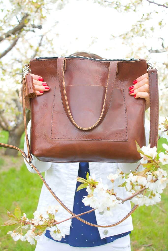 Fashion meets practical in this perfect leather crossbody, made in the USA from quality Kentucky leather.