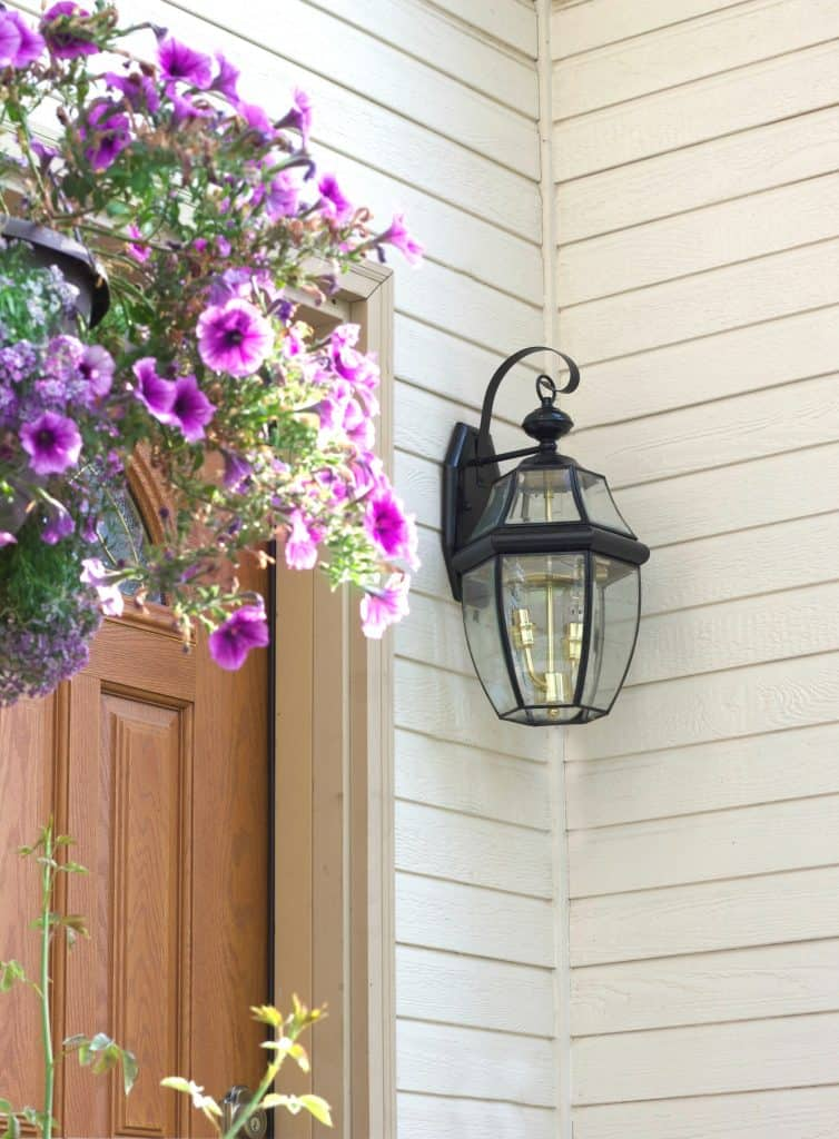 How to Paint Light fixtures Front Porch Light Refresh