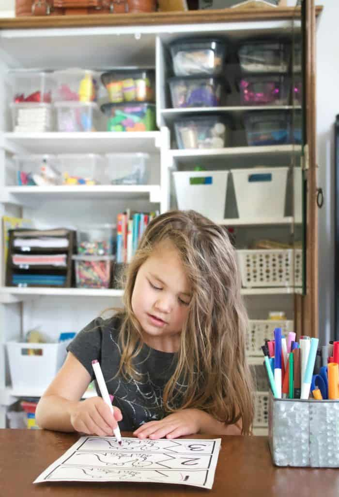 Make over your kids craft area this weekend! A easy project that's payoff is huge!  #kidscrafts #craftcloset