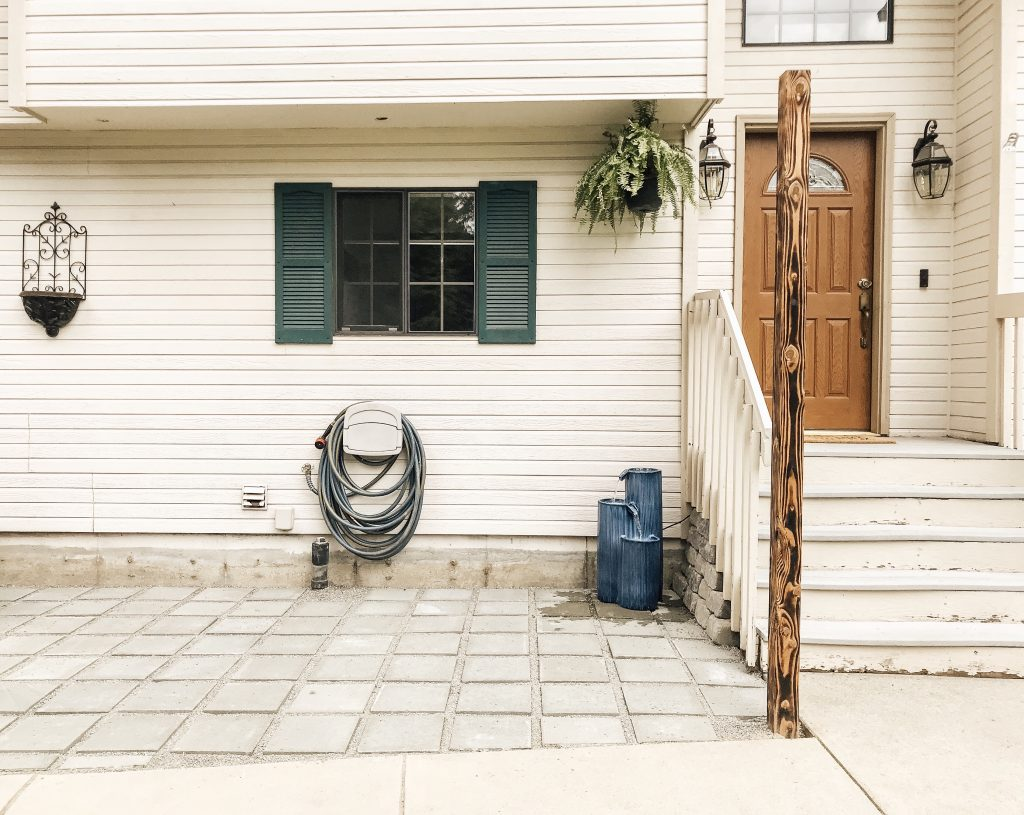 This summer many of us will be spending more time than ever at home. Let's tackle a few projects! Here's 5 ways to update your home exterior in 2020. #outdoorprojects #homeexteriors