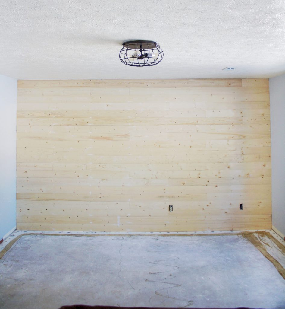 Avoid these common mistakes when you shiplap a wall. Doing the faux shiplap trend or real, make sure to avoid these little issues. #shiplap #shiplapissues