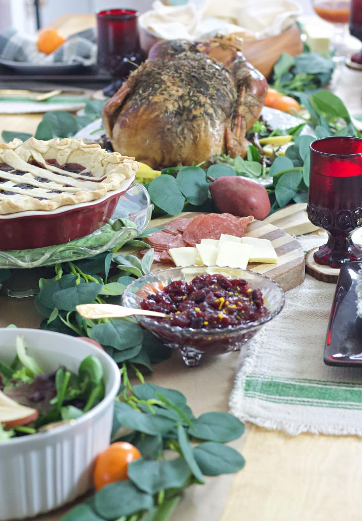 Inspiration and Ideas for A Cozy Family Thanksgiving