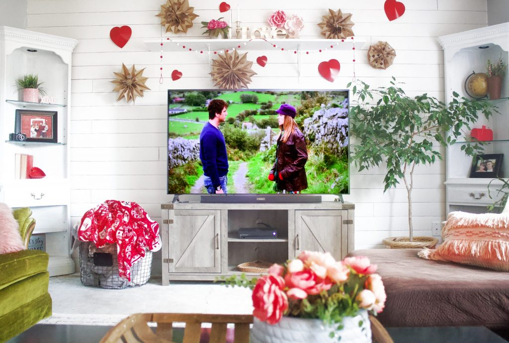 Fun Valentines Decor For The Home | Paper Stars and More!