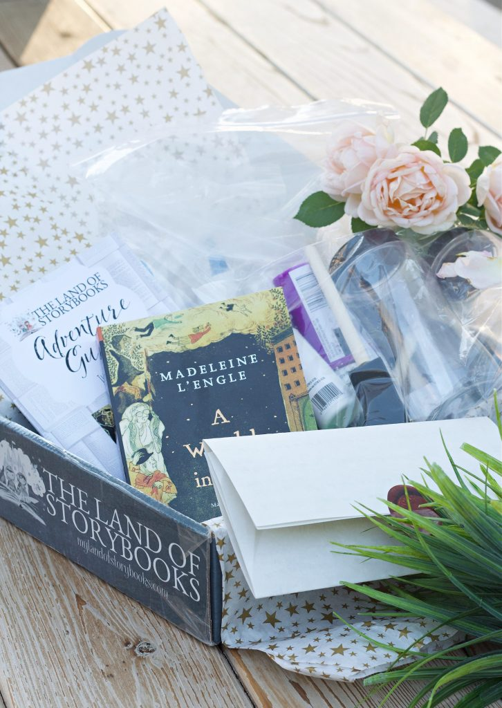 I love finding good books for read aloud. The Land Of Storybook is the perfect read aloud subscription box that involves crafts and more! #readaloud #homeschooling #monthlybooksubscriptions #familyreadaloud