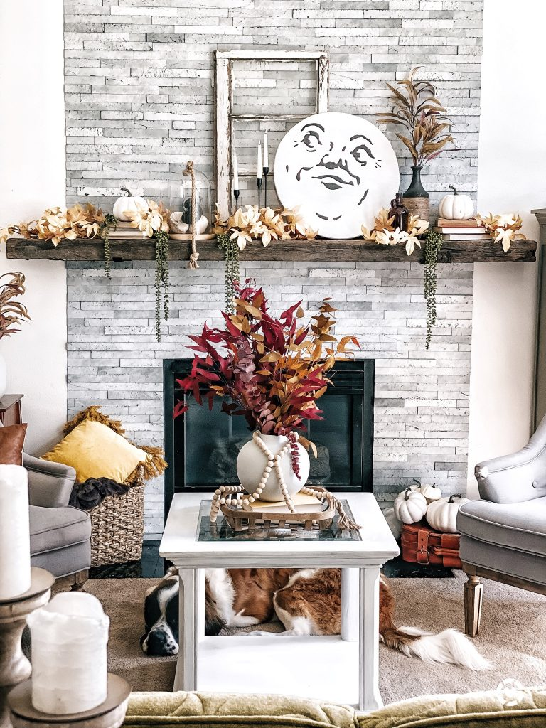 Make this Man On The Moon Wood Round in under an hour with this with FREE PDF Stencil and full tutorial. #falldecor