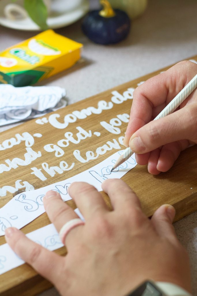 Make a DIY wooden sign with personalized script. This method anyone can do with items already in your home. No Cricut or stencil needed.