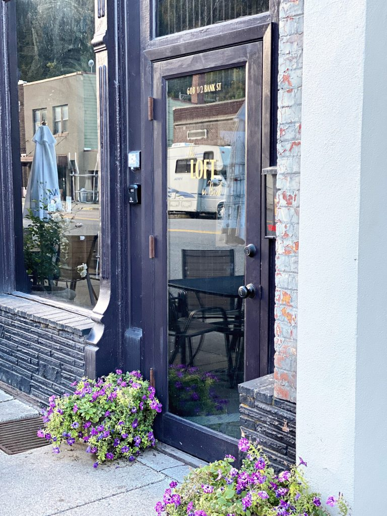 Wallace is the cutest little town in Idaho, and a place you've got to visit to believe. From the fascinating mining tour, amazing history, cute bistros, bars, and shops, you'll have a blast in quaint Wallace. Here's my must do list!